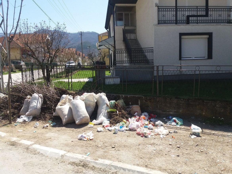 Одговорни Сурдуличани не прихватају да живе у прљавом граду